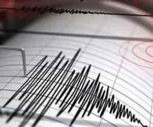 Endonezya'da 7,7 büyüklüğünde deprem meydana geldi